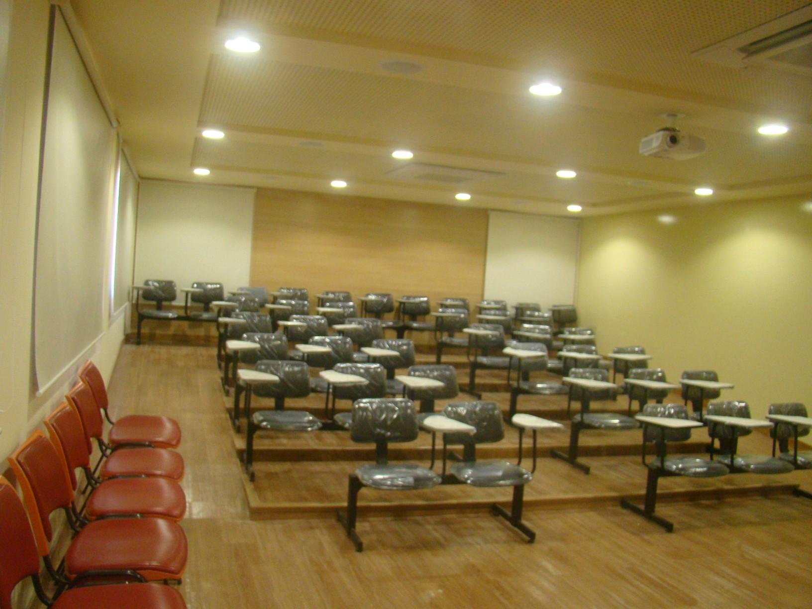 Foto do auditório do Ecoposto de Idema.